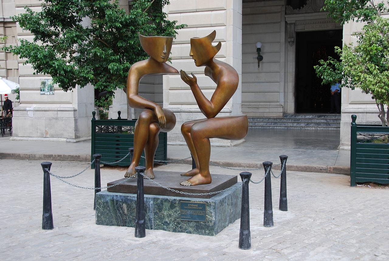 La Conversacion, cast bronze, 2012 by French sculptor, Etienne